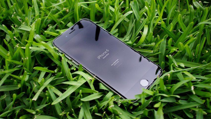 iPhone-6-Photorealistic-Mockup-Free-PSD