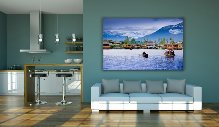 Living room wall frame mockup free psd download mockup for Online drawing room