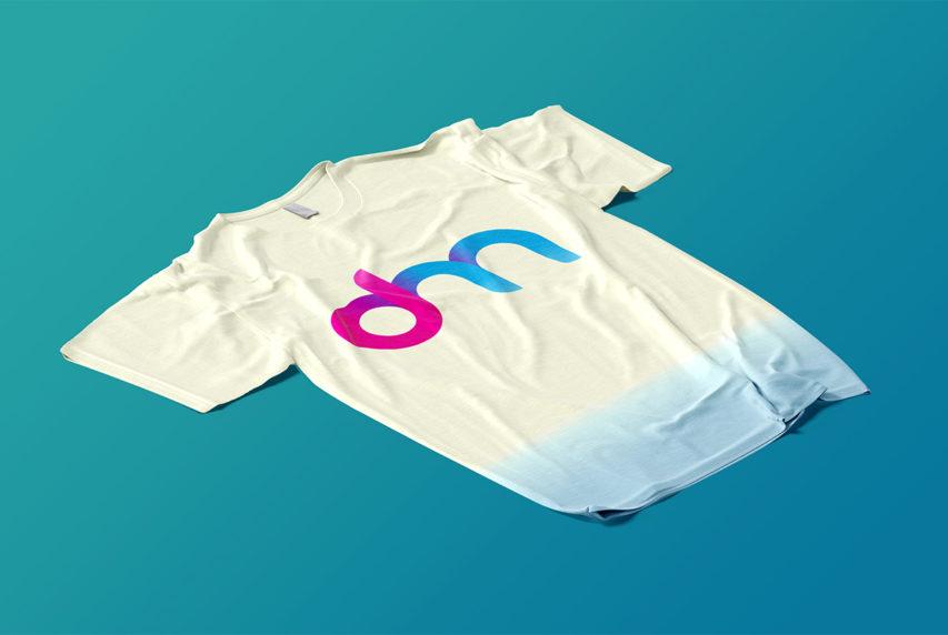 Perspective T-Shirt Mockup PSD